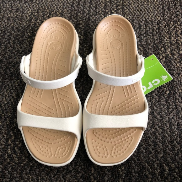 5a4ccafe1ae2 Crocs Women s Cleo Sandal - NEW